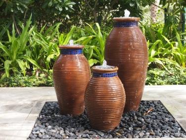 Nice pots at Mina A'Salam