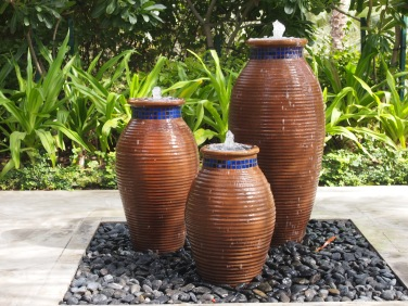 Nice pots at Mina A'Salam